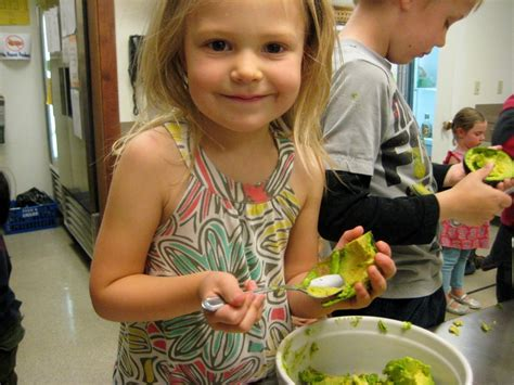 teaching about food tips for starting a preschool 442 | COOKING KIDDOS 062 1024x768