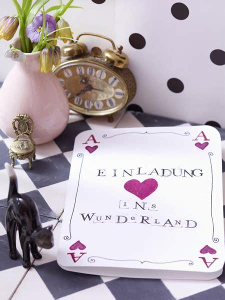 Im Wunderland Tisch by Farbenfrohe Tischdeko Wie In Im Wunderland