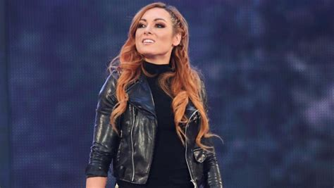 becky lynch  sign  wwe contract  huge pay rise