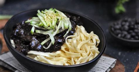 Bubuk ngohiong ini dapat anda dapatkan di supermarket atau mini market terdekat dari rumah anda. 45 resep jajangmyeon halal enak dan sederhana - Cookpad