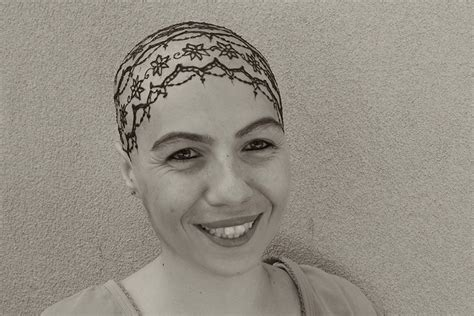 beautiful henna crowns  cancer patients overcome