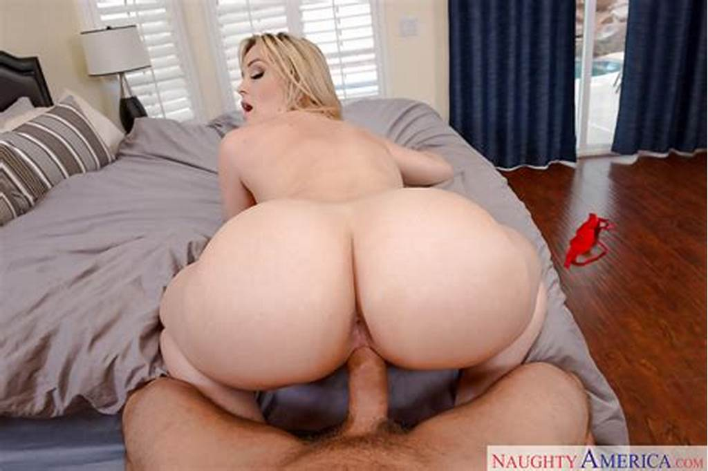 #Blonde #Housewife #Alexis #Texas #Takes #Cum #In #Shaved #Milf
