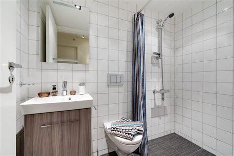 Petite Salle De Bain Et Toilettes Idées Sur La Décoration