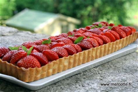 tarte fraise pate brisee tarte fraise rhubarbe sans pate les recettes populaires blogue le des g 226 teaux