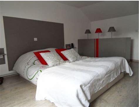 cout peinture chambre déco chambre tête de lit peinture gris anthracite coussin