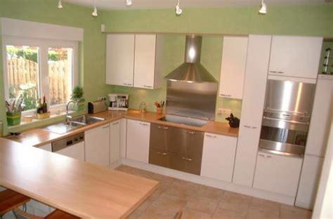 cuisine verte et marron couleur cuisine orange et vert divers besoins de cuisine