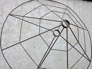 Parasol En Paille : paillote paillote sur commande roseaux de camargue pour la fabrication de toiture palissade ~ Teatrodelosmanantiales.com Idées de Décoration