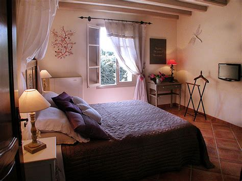 chambres d hotes en luberon les chambres d 39 hotes du bastide des cardelines en provence