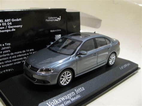 1/43 Minichamps Vw Volkswagen Jetta (2010) Grey Diecast