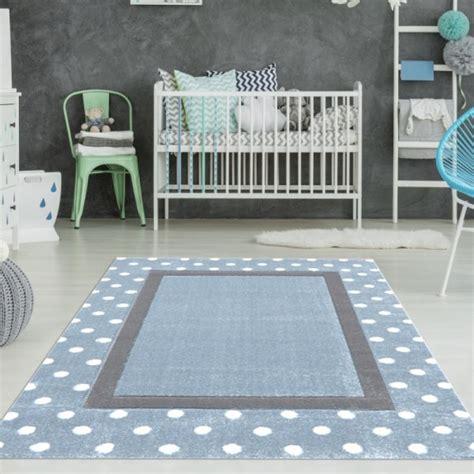 kinderzimmer teppich blau kinderzimmer teppich punkte rechteck blau teppich4kids
