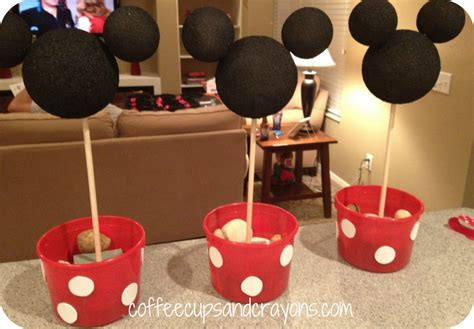 How To Make Easy Minnie Mouse Centerpieces Yellow Kitchen Canister Set Step2 Lifestyle New Traditions Kitchener Waterloo Transit Images Of Kitchens Rustic Wall Art Revere Hotel Contemporary Chairs Uk