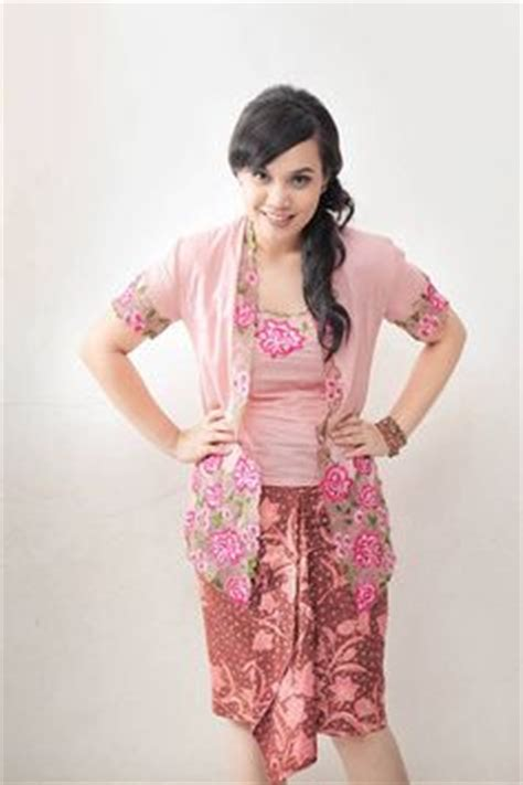 kebaya batik cantika singapore dress tradition this was also the traditional