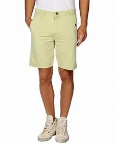 Bermudas clothing