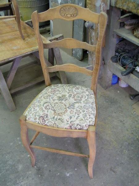 relooker chaise en bois qui peut relooker mes chaises rustiques et ma table de