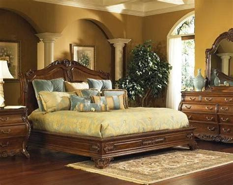 homethangscom introduces  guide  ornate antique beds