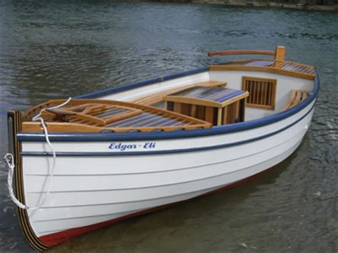 Small Displacement Motor Boat by Utilities Launches Skiffs Using 2 5 Hp Outboard Covered