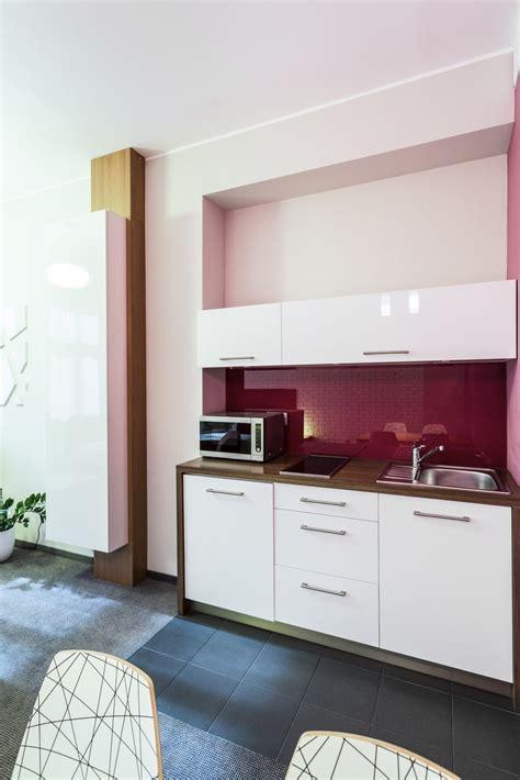 Kaip protingai įrengti mažą virtuvę: 7 paprasti sprendimai ...