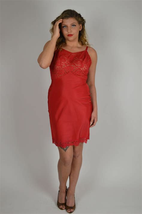 Red Slips, Lace Slips, Size Large, At the Knee Slips ...