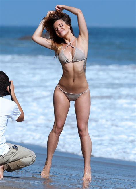 Mary Padian Nude Hot Girl HD Wallpaper