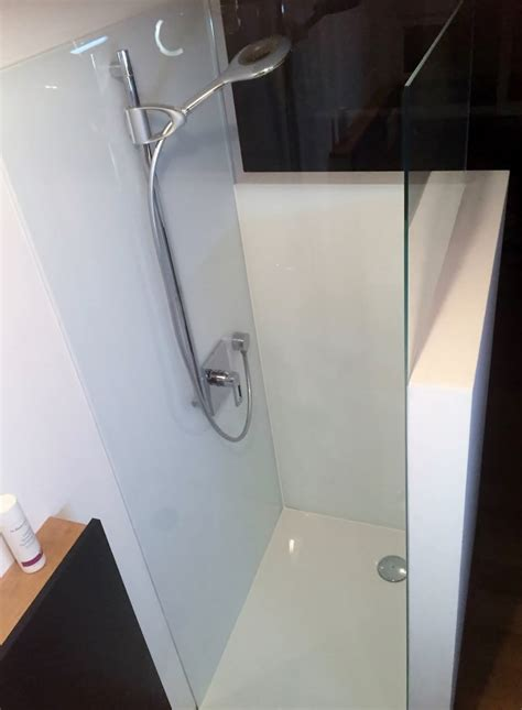 glas duschr 252 ckwand statt fliesen in der dusche