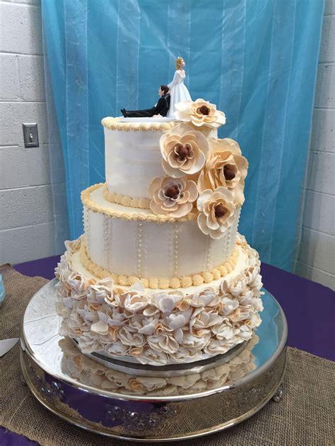3 Tier Round Wedding Cake
