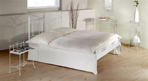 bett ohne füße franz 246 sisches metallbett handgeschmiedet vella
