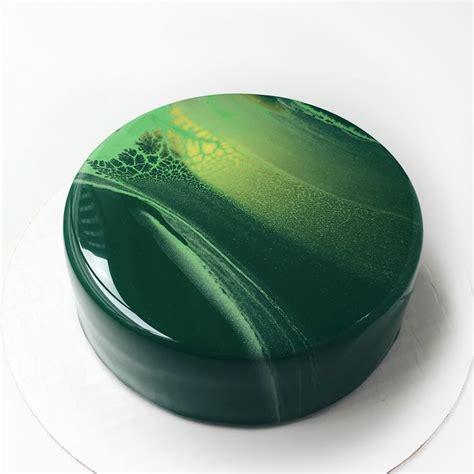 cake glaze 335 best mirror glaze cakes images on pinterest mirror glaze cake amazing cakes and food cakes