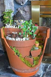 deco jardin avec pots de fleurs With chambre bébé design avec pot de fleur connecté