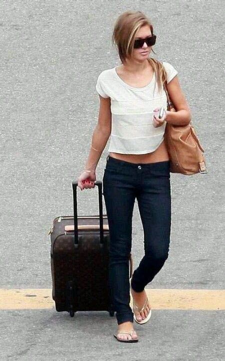 Audrina Patridge Perfect Comfy Traveling Outfit