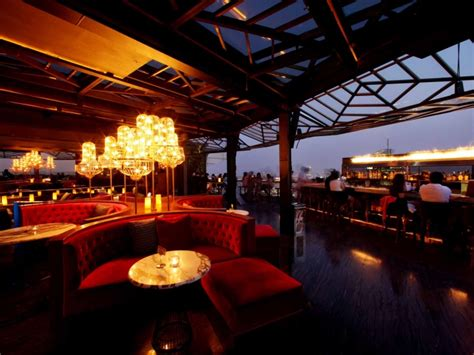 » CLOUD Lounge & Living Room by Metaphor, Jakarta – Indonesia
