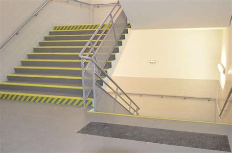 escalier norm 233 pmr en pvc orl 233 ans loiret 45