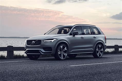 facelifted volvo xc suv revealed price hybrid versions