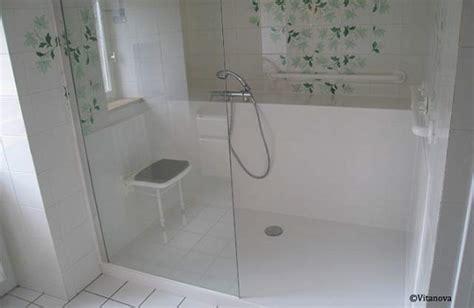 siege de handicapé aménager la salle de bain d 39 une personne âgée tarifs et