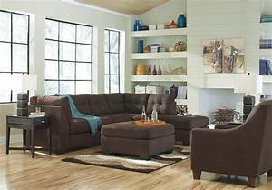 2 Piece Sectional With Right Chaise By Benchcraft Wolf