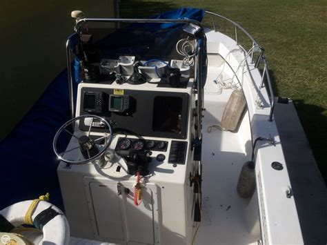 Maycraft Boats Dealers by 1998 Used Maycraft 2300 Center Console Fishing Boat For
