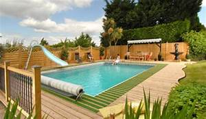 Amenagement Autour Piscine Photos : formidable amenagement autour d une piscine 4 du gazon ~ Premium-room.com Idées de Décoration