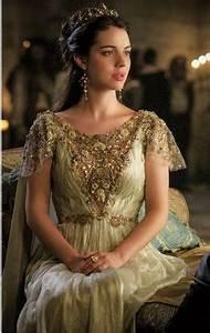 Reign Season 3 Episode 1 …   Gorgeous gowns/dresses   Pinte…