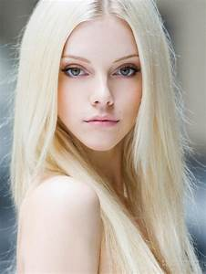 Get A Platinum Blonde Hair Color Dye To Look Seductive
