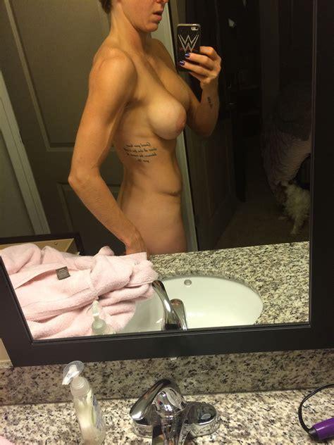 Wwe Diva Charlotte Flair Nude Leaked Selfies Celebrity Leaks