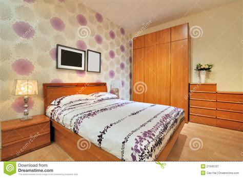 chambre à coucher simple chambre à coucher décorée simple photographie stock libre