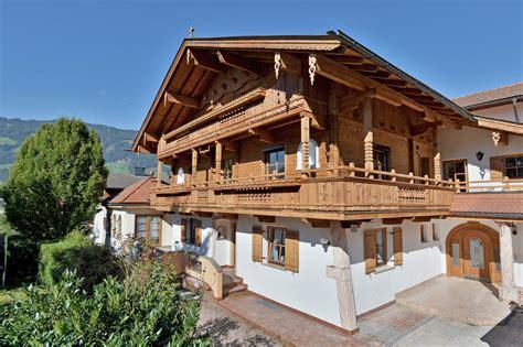 Holzhaus Zillertal Urlaub  Bauernhaus Godschmied Haus
