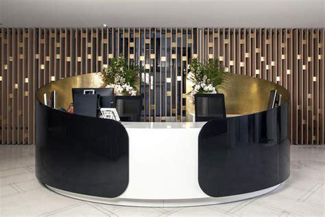 des bureaux réalisation d 39 une banque d 39 accueil en solid surface v korr