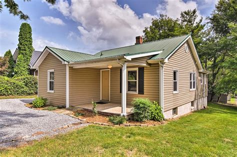 Remodeled Vacation Home by New Remodeled Home Near Virginia Creeper Trail Updated