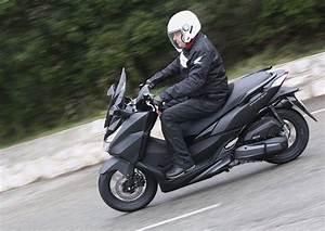 Honda Forza 125 Promotion : essai nouveau scooter 125 gt forza honda ~ Melissatoandfro.com Idées de Décoration