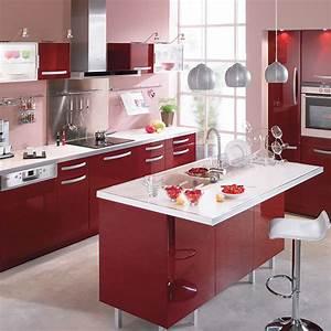 cuisine rouge bordeaux cuisine rouge accents blancs idees With meuble de salle a manger avec cuisine couleur rouge bordeaux