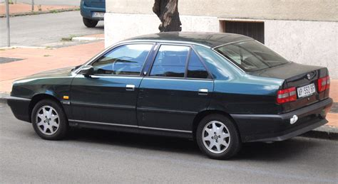 File:Lancia Dedra sedan green.JPG - Wikimedia Commons