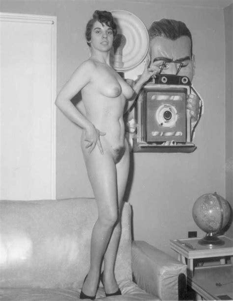 Showing Porn Images For Vintage 1940s German Porn Porndaa ...