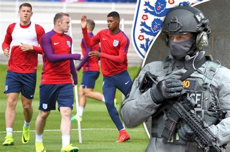 You are on premier league 2020/2021 live scores page in football/england section. EURO 2016: Troops protect the England National football team from ISIS - Daily Star
