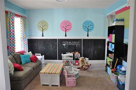 36 Exciting Ideas To Decorate Kids Rooms With Colored