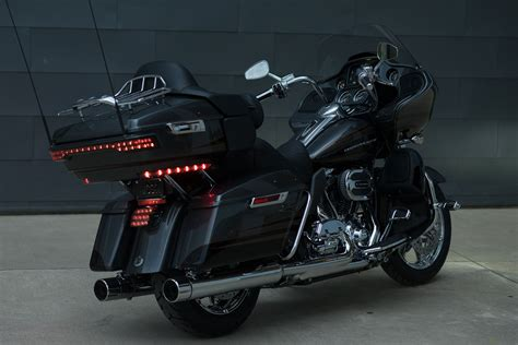 Harley Davidson Road Glide Ultra Wallpaper by 2016 Harley Davidson Cvo Road Glide Ultra Motorbike Bike